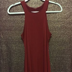 Dresses & Skirts - Maroon flowy dress